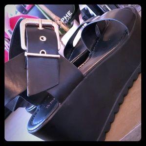 Flatform Black Sandal